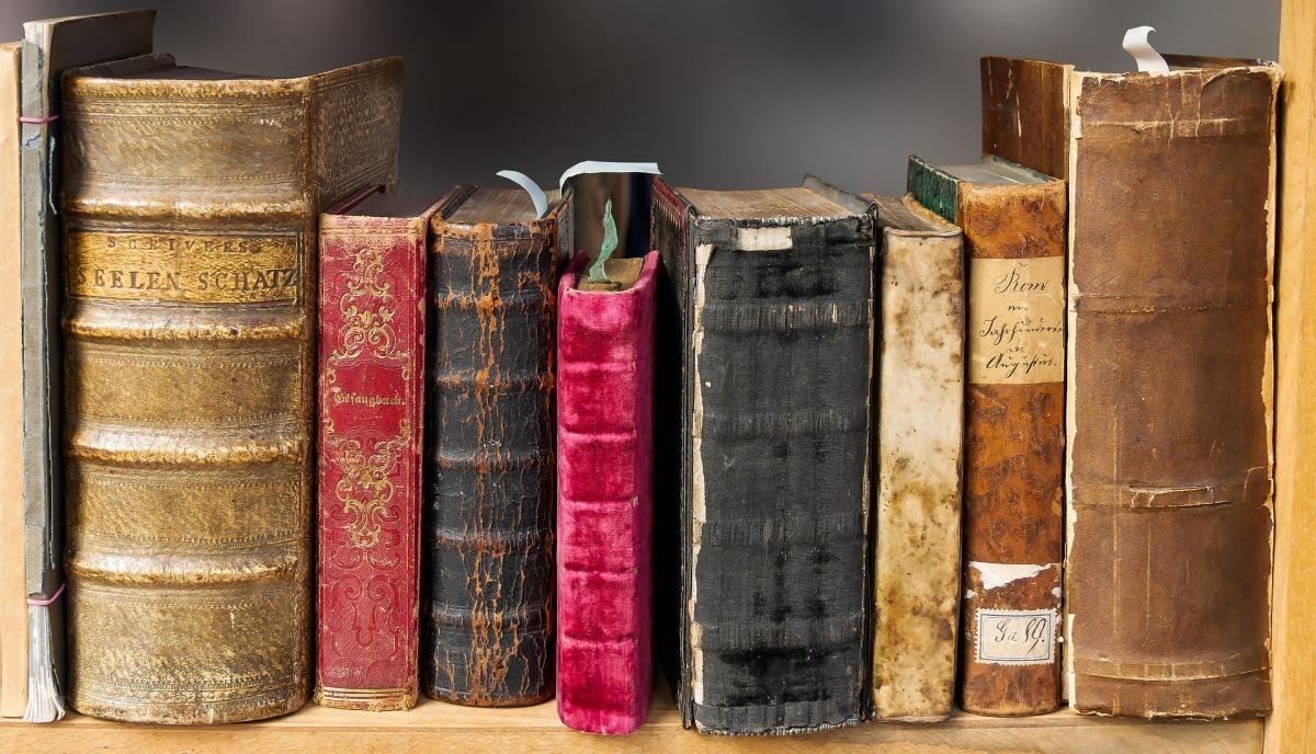 Bibliografía: Libros con valor histórico
